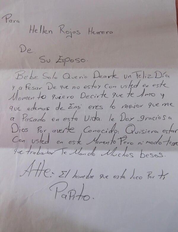 El matrimonio acostumbraba mandarse cartas, ahora son parte del tesoro del Hellen. Fotografia Graciela Solis