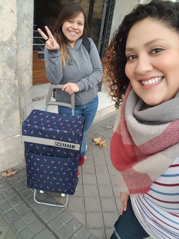 Gianninna Ortega (colochos) y Ángela León, son las del negocio tico en Madrid. Cortesía.