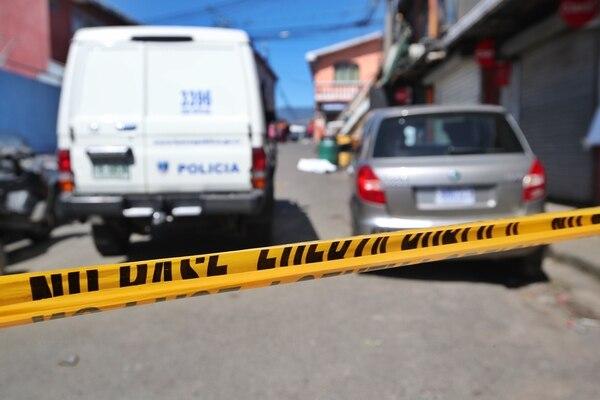 La agresión ocurrió en La Segunda Parada de La Carpio, La Uruca allí detuvieron a los sospechosos. Fotografía: John Durán