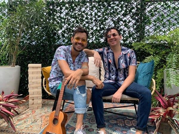Los hermanos Diego y David Valverde llenan de energía al público con su música. 'Vivir Chillax' es parte de lo que será su próximo disco corto. Foto: Cortesía Chillax.