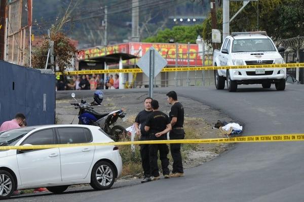 17/03/2019. San Rafael Arriba de Desamparados. Dos personas fueron asesinadas este domingo en vía pública, en el sector de San Rafael. Fotos Melissa Fernández