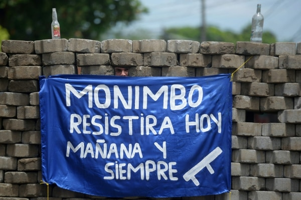 Monimbó está listo para recibir la caravana de Daniel Ortega. Hace cuatro décadas peleó con coraje contra Somoza, y hoy están decididos a hacerlo contra Oretega/ AFP PHOTO / MARVIN RECINOS