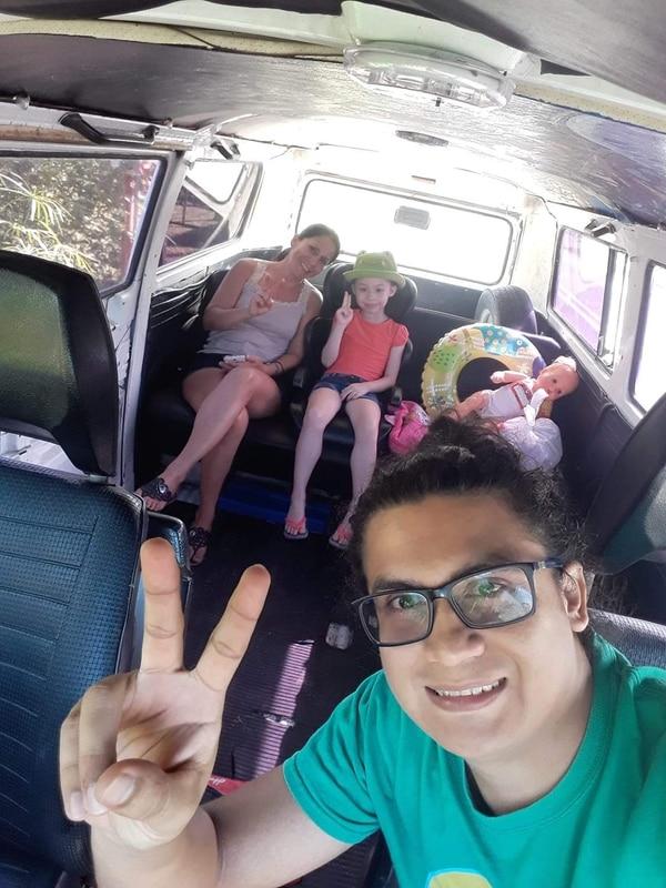Adentro de Telita cabe cómodamente toda la familia de Jimmy para hasta echarse un sueñito. Foto: Cortesía.