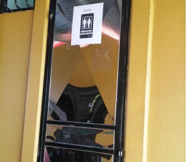 En el Colegio Diurno de Florencia, en San Carlos, ya se implementó un baño neutral. Archivo
