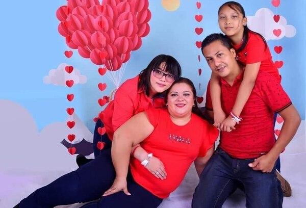 Para Kimberly su familia era su mayor tesoro. Foto: Melissa Flores.
