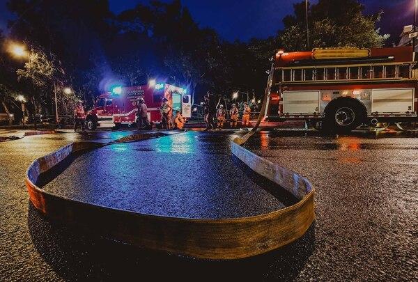 La miniserie se grabó hasta de noche. Fotos: Luis Alvarado