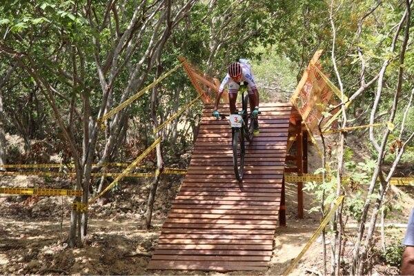 Milagro Mena ganó para Costa Rica la medalla de bronce en la disciplina de ciclismo de montaña femenino. Cortesía Comité Olímpico