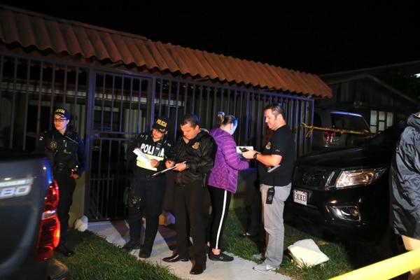 09/01/2020. Buenos Aires de Palmares. Hora: 08:00 pm. Dos personas aparecen asesinadas dentro de una vivienda en Buenos Aires de Palmares. Fotos: Mayela López