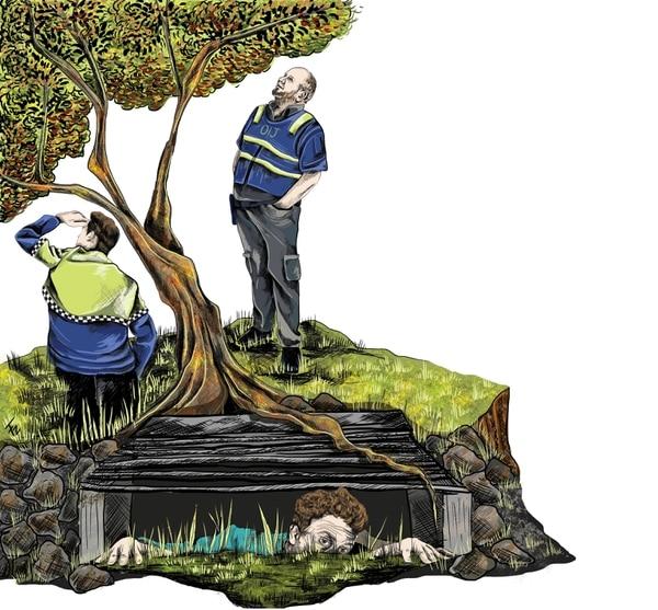 Florentino Elizondo Ríos se le escondió a la policía en el hueco que estaba debajo de una alcantarilla. Ilustración: Francela Zamora