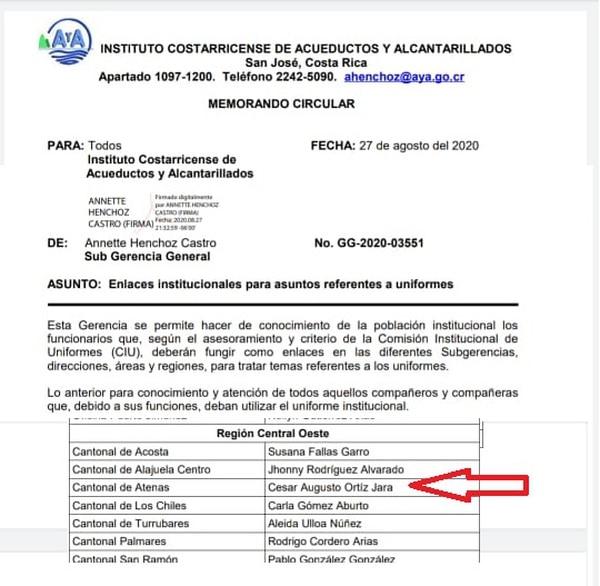 Circular de AyA donde nombran a difunto como responsable de entrega de uniformes. Foto: Cortesía