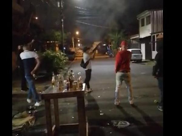 Investigan supuesta balacera en Desamparados para celebrar el 2021. Foto: Captura de video