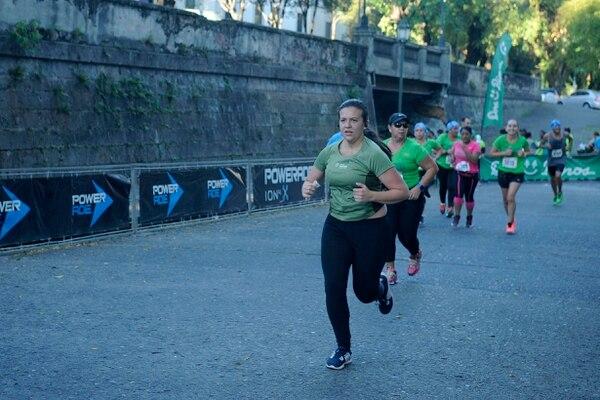 Las mujeres sigue marcando una excelente presencia en las pruebas atléticas de nuestro país. Foto Gesline Anrango
