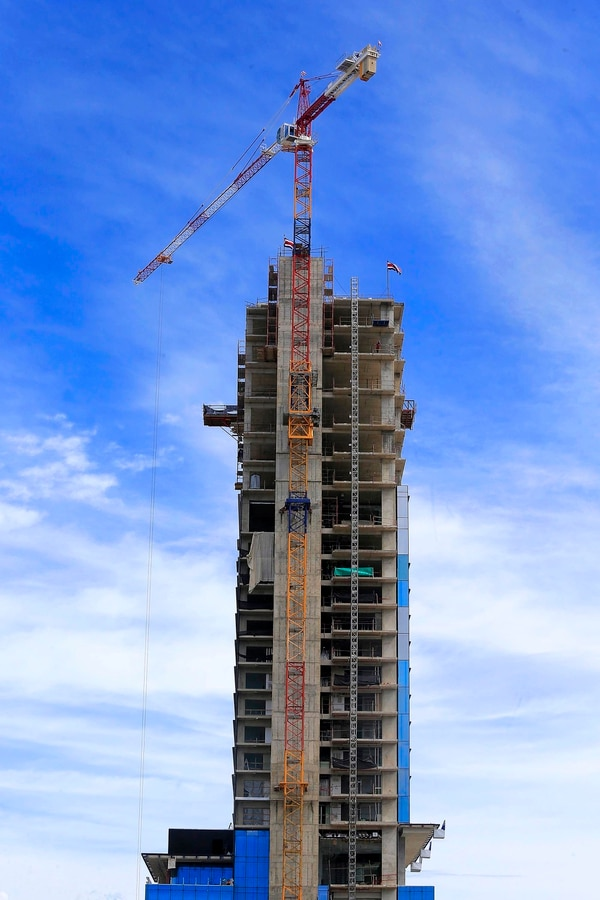 Mide 141 metros y tiene 38 pisos. Foto: Rafael Pacheco.