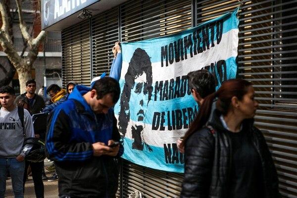 El regreso de Diego a Argentina despertó la pasión de los aficionados por su ídolo. Foto tomada de Diario Olé
