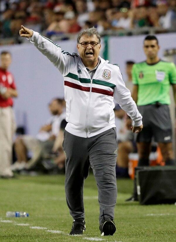El Tata arrancó con el pie derecho su paso por Máxico.Foto: AP.