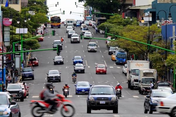 Los diputados analizarán si mantienen la restricción vehicular sanitaria. Foto: Rafael Pacheco.