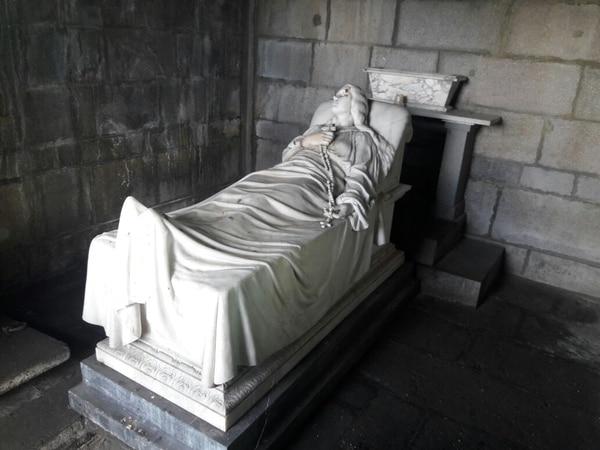 El mausoleo de doña Luisa Otoya está en el cementerio General en San José. Archivo.