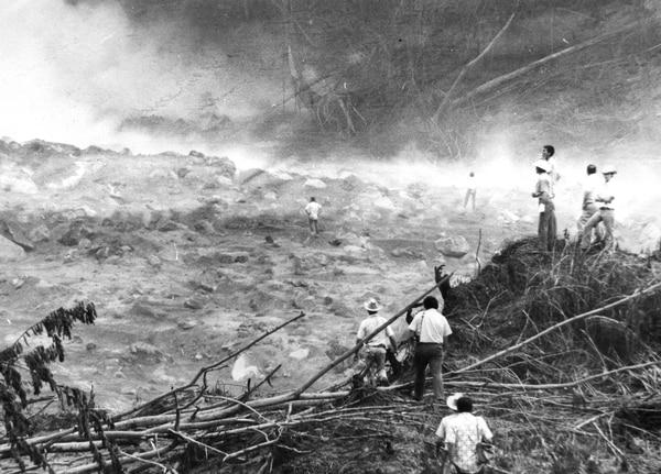 La furia del volcán destruyó muchos terrenos, entre ellos parte de las propiedades de la familia Soto Hidalgo. Foto Archivo.