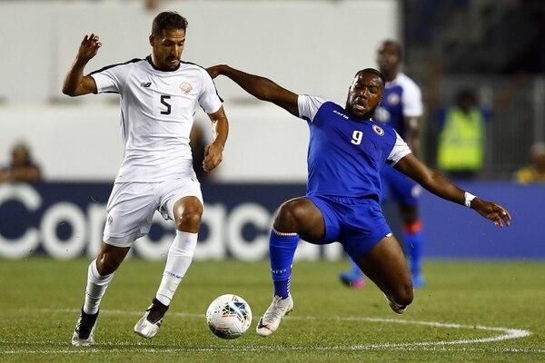 Celso Borges fue el futbolista con más recuperaciones de balón con 18. AFP