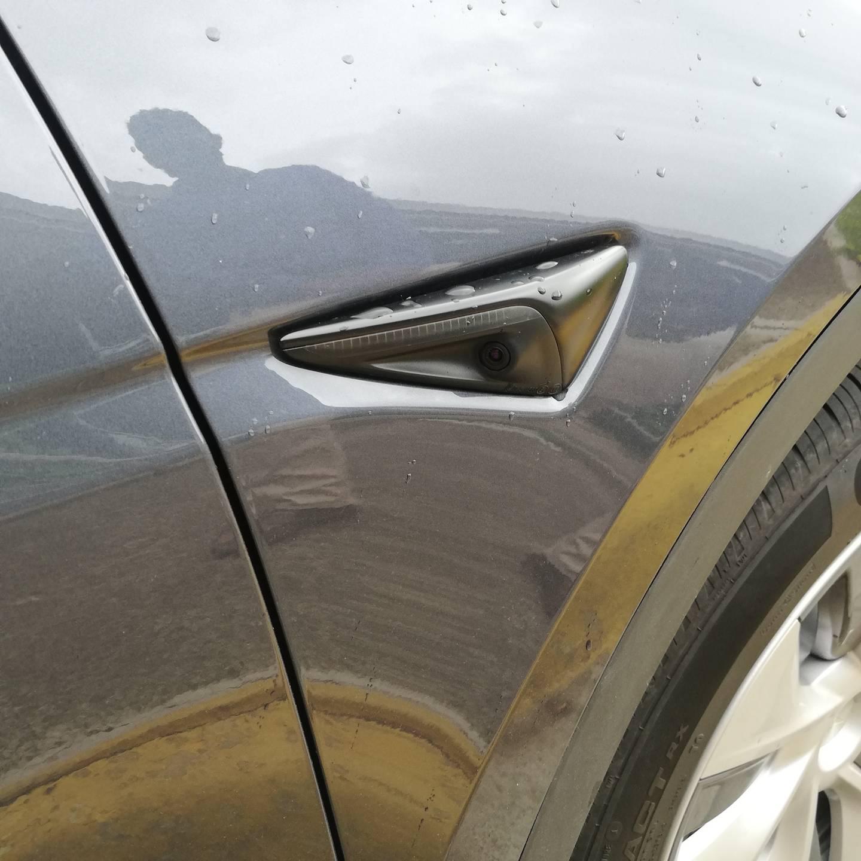 Los autos Tesla ya están en el país; no tiene un 100% de autonomía, pero sí se manejan solos en pista y circunvalación al activar el piloto automático