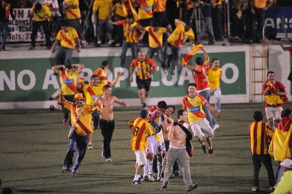 Herediano se proclamó campeón ante el Santos en el Verano del 2012. Foto: Jorge Castillo.