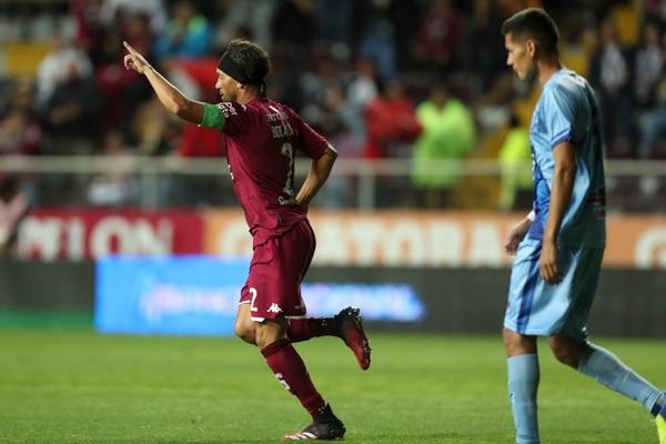 Christian Bolaños celebró sus goles con la afición y sus compañeros. Fotografía José Cordero