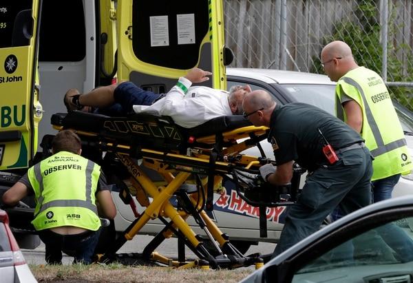 Además de los 49 fallecidos confirmados, hay más de 20 heridos. Foto AP.