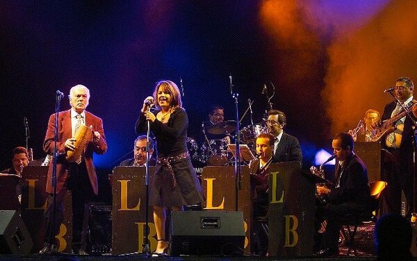 La Orquesta de Lubín Barahona es la encargada de meterle miel a la noche de los josefinos. Archivo GN.