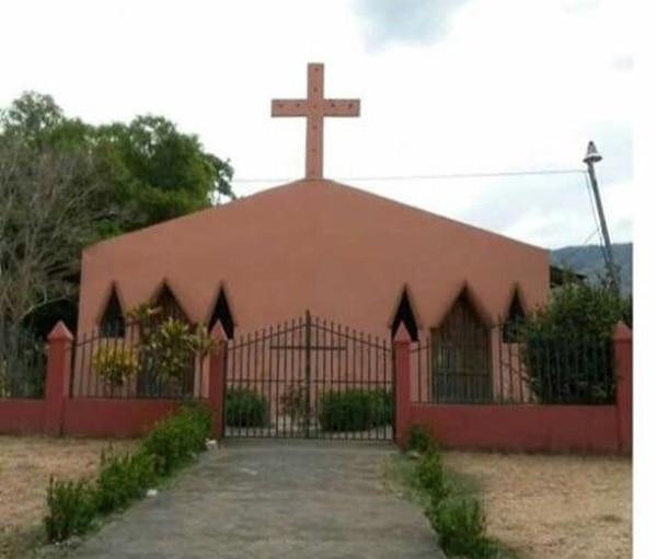 El templo de San Joaquín de La Mansión de Nicoya fue profanado por delincuentes. Foto: Cortesía
