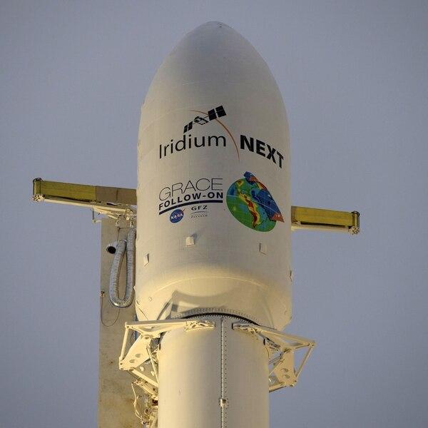 Este cohete SpaceX Falcon 9 llevará los dos satélites para que orbiten alrededor de la tierra. / AFP PHOTO / NASA / Bill INGALLS /