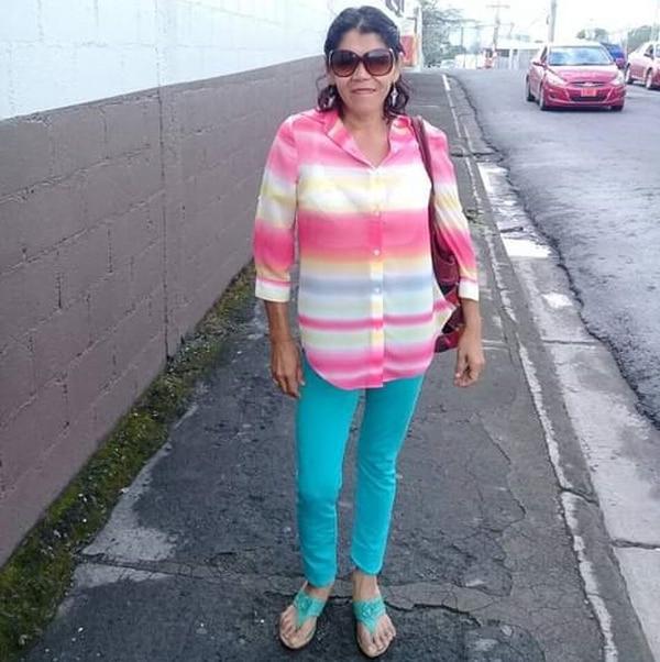 Doña María Marín no deja de luchar por salir adelante. Foto: Cortesía
