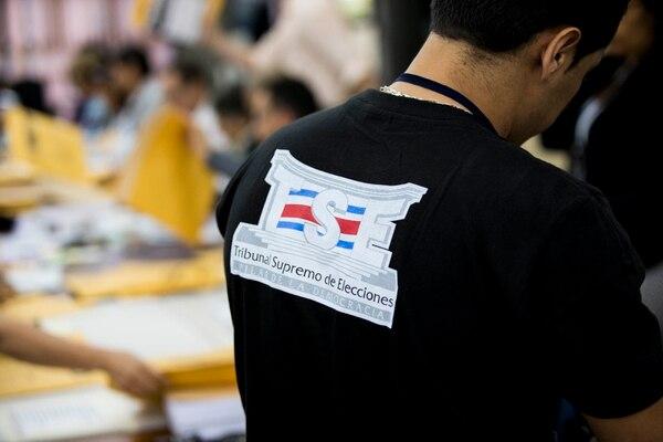 06/02/18. Tribunal Supremo de Elecciones TSE, San José Costa Rica. Escrutinio de los votos de las elecciones 2018 primera ronda. Fotografía: Alejandro Gamboa Madrigal