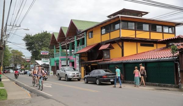 Puerto Viejo tiene un gran atractivo turístico y cada vez es más visitado por nacionales y extranjeros. Foto Jeffrey Zamora