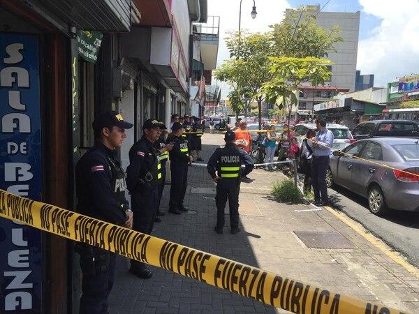 Los cadáveres fueron descubiertos por el administrador de la cuartería. Foto: Grupo Nación.
