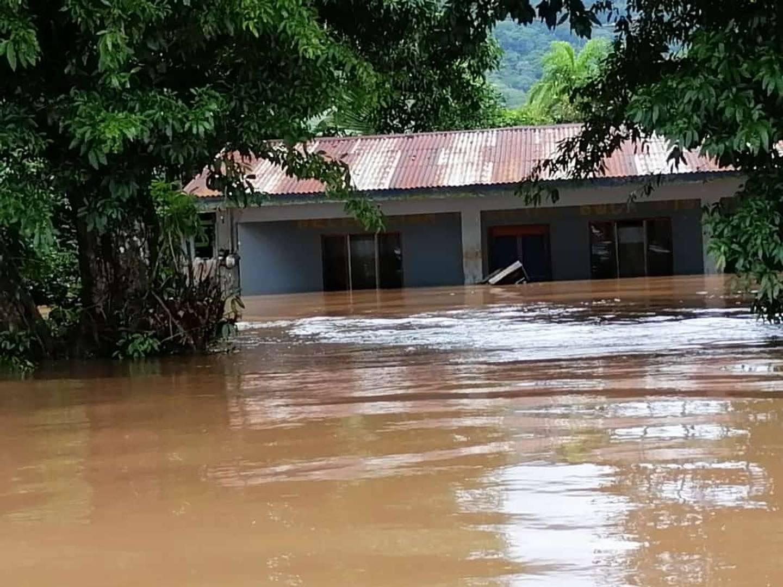 Inundaciones en Boca San Carlos, Boca Tapada, Cureña y Cureñita. Foto Edgar Chinchilla.