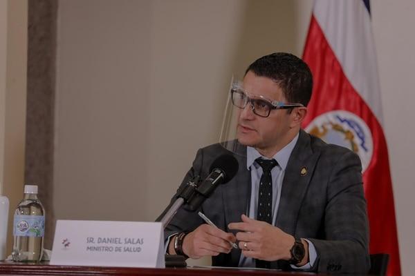 El ministro de salud, Daniel Salas, estuvo en cuarentena luego de tener contacto con su padre. Fotografía: Ministerio de Salud