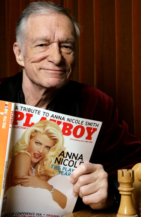 Hugh Hefner, fundador de la revista y marca Play Boy falleció este año. Foto: (AP Photo/Damian Dovarganes, File)