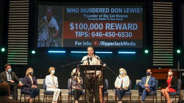 Familiares de Jack Donald Lewis, ofrecieron una recompensa y le hicieron un homenaje. Foto: Tampa bay times