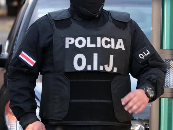 El agente del OIJ de apellidos Daniel Johnson utilizó su facebook para defenderse de las acusaciones que le hizo la Fiscalía de Heredia en su contra. Foto Alonso Tenorio