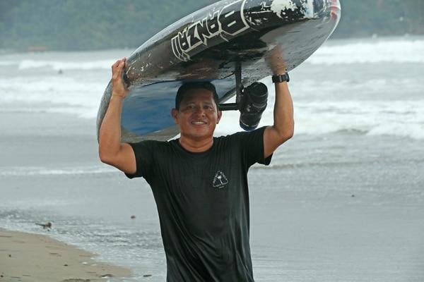 Marvin Chen está trabajando duro para conseguir su meta en el mar tico. Foto John Durán