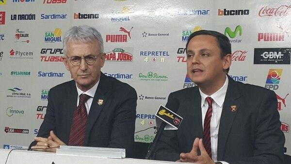 Benito Floro (izquierda) fue la gran apuesta de Ocampo, sin embargo, acabó siendo una de sus mayores pifias. Archivo