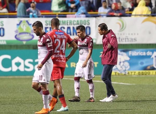 Esteban Rodríguez tiene todavía mucho que aprender de Paté. Fotografia : JOHN DURAN