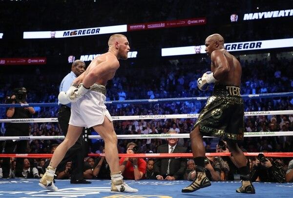 4f8c9705e Mayweather Jr y McGregor disputaron en agosto del año pasado una mediática  pelea de boxeo que