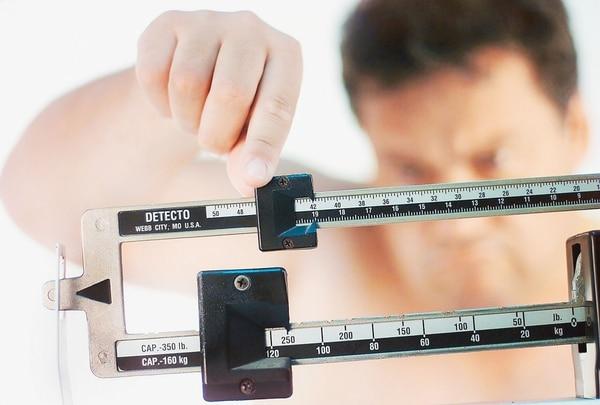 Empresa ofrece prima a empleados por perder peso