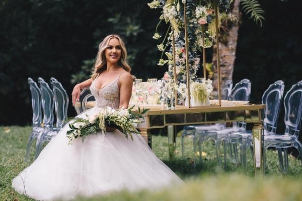 Evelyn Orozco fue la protagonista de la campaña publicitaria de la tienda Unique CR que vende vestidos de novia. Foto: Unique CR.