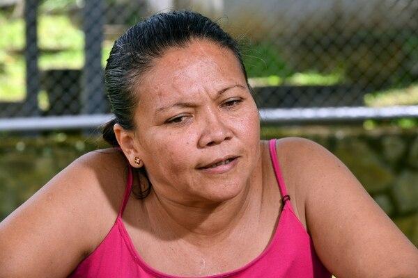 Jenny Torres, ha tenido que permanecer los seis meses encerrada en la cárcel de mujeres porque no tiene para pagar la pensión que le exige su exesposo. Foto Jorge Castillo