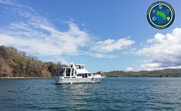 Los oficiales devolvieron la embarcación a tierra por incumplir las medidas. Foto: MSP.