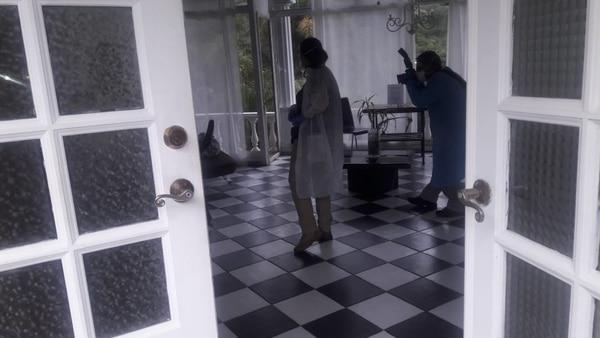 Los forenses revisaron la habitación en la que se hospedó la turista Carla Stefaniak en la que encontraron rastro de sangre. Fotos: OIJ