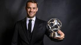 Manuel Neuer le ganó a Keylor Navas premio al mejor arquero de Europa
