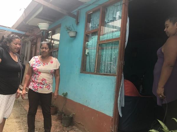 Laura Arguedas vive junto a su familia en una casita muy humilde de Salitrillos de Aserrí. Foto: Shirley Sandí